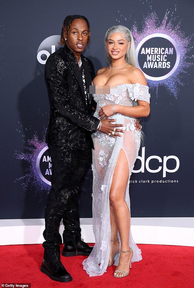 Cặp đôi hành động gợi dục phản cảm ở American Music Awards 2019  - ảnh 8