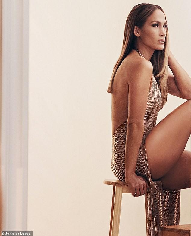 Jennifer Lopez đẹp nuột nà mê đắm, trẻ trung ngỡ ngàng ở tuổi 50 - ảnh 5