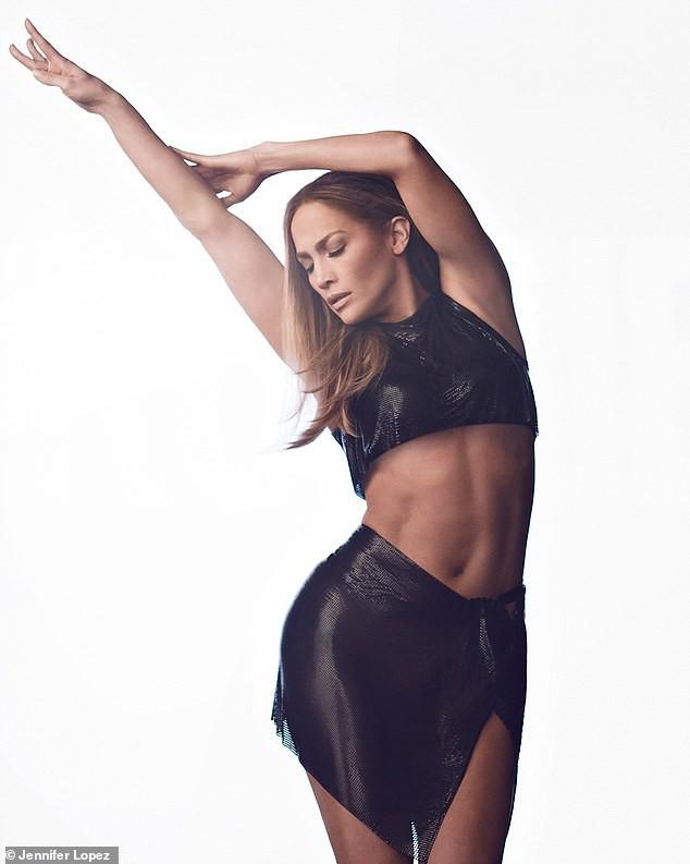 Jennifer Lopez đẹp nuột nà mê đắm, trẻ trung ngỡ ngàng ở tuổi 50 - ảnh 6