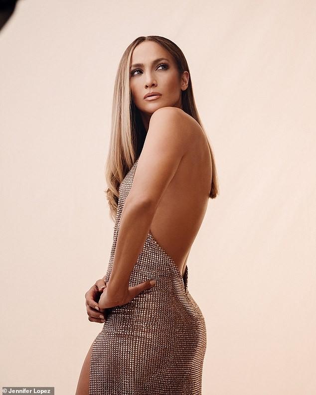 Jennifer Lopez đẹp nuột nà mê đắm, trẻ trung ngỡ ngàng ở tuổi 50 - ảnh 7