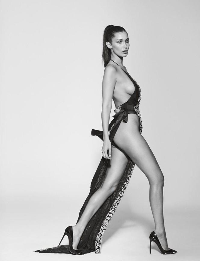 Bella Hadid phô thể hình đẹp 'từng cm' với váy cắt xẻ 'tứ bề' - ảnh 3