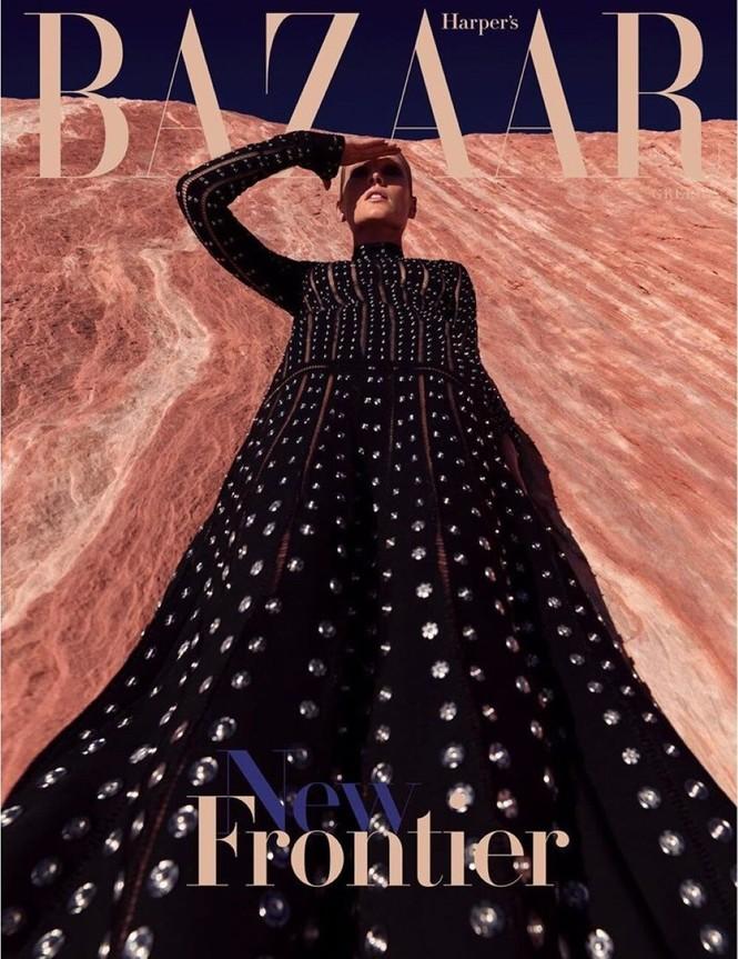 Toni Garrn cởi đồ, khoe dáng nuột nà đẹp như tạc tượng giữa thung lung Lửa - ảnh 2