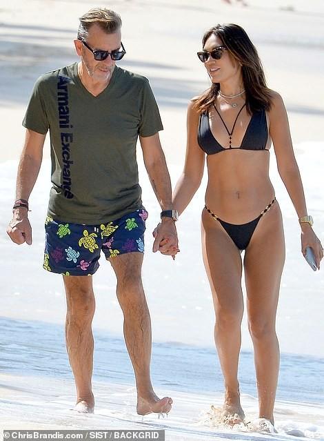 Duncan Bannatyne đi nghỉ bên vợ trẻ nóng bỏng kém 31 tuổi - ảnh 2
