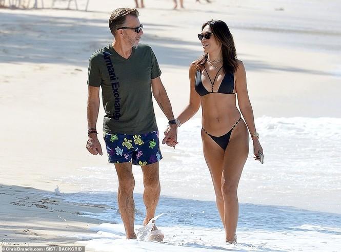 Duncan Bannatyne đi nghỉ bên vợ trẻ nóng bỏng kém 31 tuổi - ảnh 3