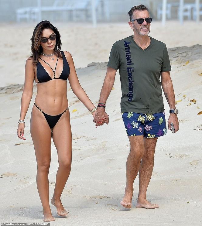 Duncan Bannatyne đi nghỉ bên vợ trẻ nóng bỏng kém 31 tuổi - ảnh 5