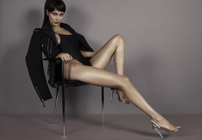 Bella Hadid khoe vóc dáng tuyệt mỹ, chân thon dài bất tận - ảnh 6