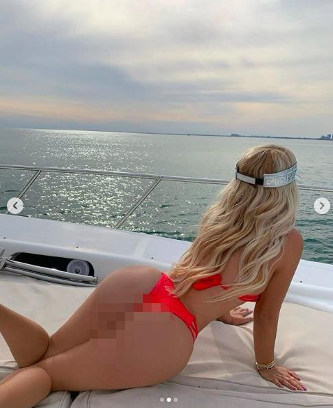 Cô gái Nga có vòng 3 hơn 1m sở hữu body 'bốc lửa' gây choáng váng - ảnh 5