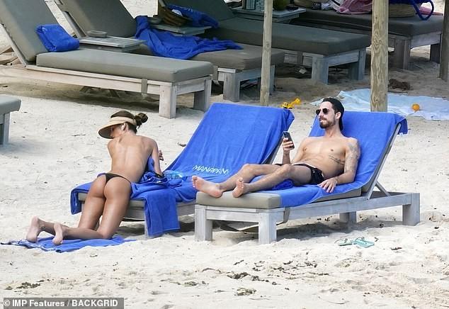 Izabel Goulart mặc bikini chụp ảnh cùng bạn trai gây 'sốt' - ảnh 3