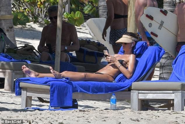 Izabel Goulart mặc bikini chụp ảnh cùng bạn trai gây 'sốt' - ảnh 6