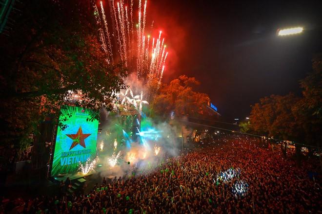 Pháo hoa rực sáng đón năm mới 2020 - ảnh 52