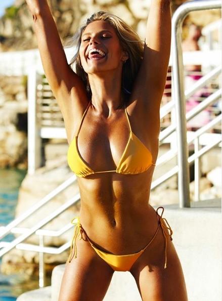 Siêu mẫu đình đám nước Úc tung loạt ảnh ngực trần khiến fan phát 'sốt' - ảnh 5