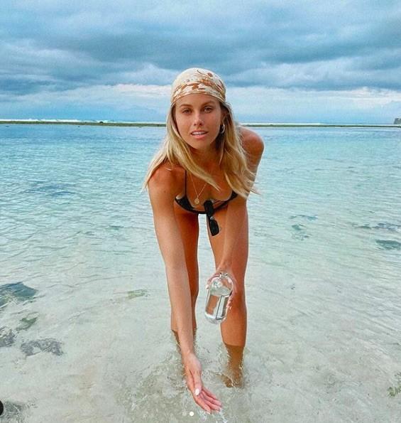 Siêu mẫu đình đám nước Úc tung loạt ảnh ngực trần khiến fan phát 'sốt' - ảnh 8