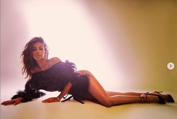 Madalina Ghenea khoả thân trên tạp chí đàn ông, nóng bỏng 'gây mê' - ảnh 3