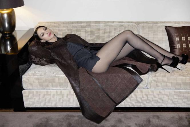 'Tượng đài nhan sắc' Monica Bellucci đẹp không tưởng ở tuổi 56 - ảnh 2