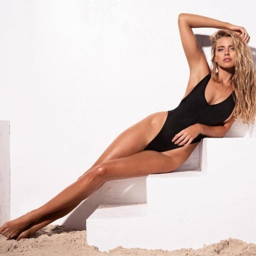 Hoa hậu Hoàn vũ Úc Tegan Martin đẹp rực lửa với bikini - ảnh 8