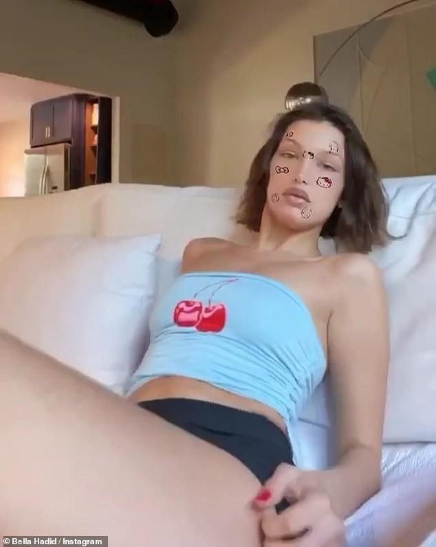 Bella Hadid tung clip 'giường chiếu' sexy khi ở nhà tránh dịch - ảnh 2
