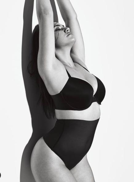 Ba vòng 'nảy lửa' của mẫu ngoại cỡ 9x Lorena Duran  - ảnh 8