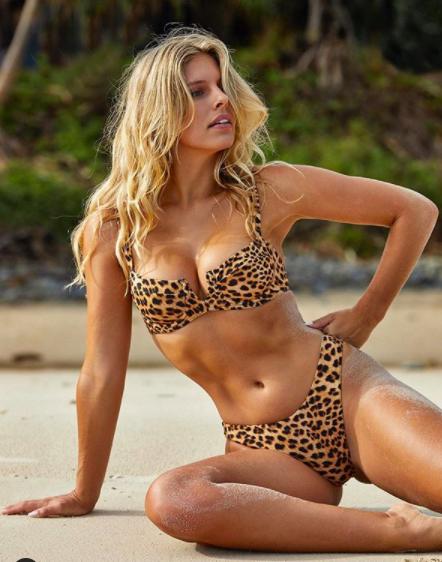 Siêu mẫu áo tắm sở hữu body chỉ số vàng đẹp đến kinh ngạc - ảnh 4