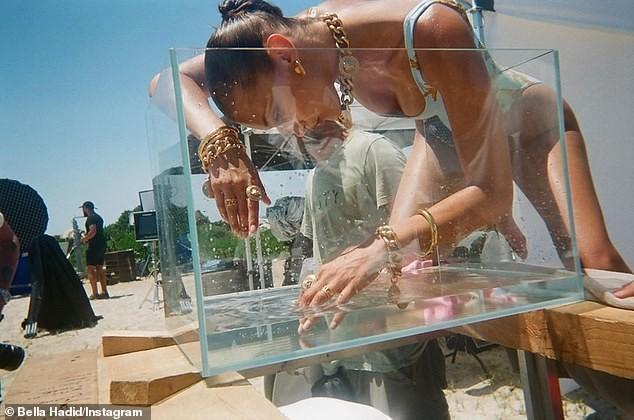 Hậu trường chụp ảnh quảng cáo siêu nóng bỏng của 'chân dài' đắt giá Bella Hadid  - ảnh 5