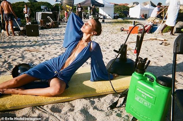 Hậu trường chụp ảnh quảng cáo siêu nóng bỏng của 'chân dài' đắt giá Bella Hadid  - ảnh 2