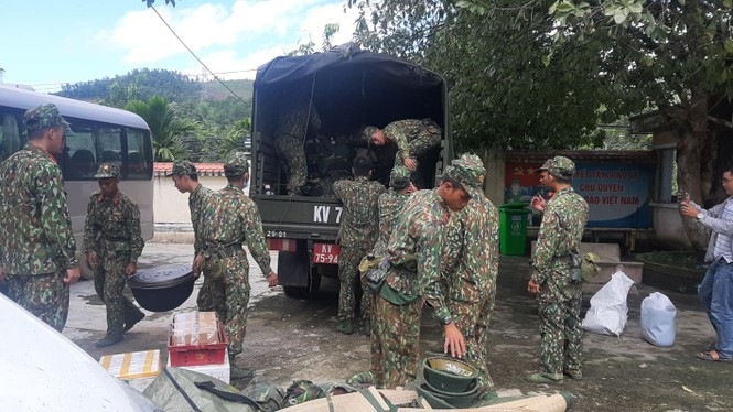 Vụ sạt lở 43 người mất tích ở Quảng Nam: Tìm được hàng chục người còn sống - ảnh 11