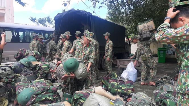 Vụ sạt lở 43 người mất tích ở Quảng Nam: Tìm được hàng chục người còn sống - ảnh 10