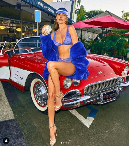 'Mỹ nhân nóng bỏng nhất Canada' khoe vóc dáng tuyệt mỹ với nội y - ảnh 4