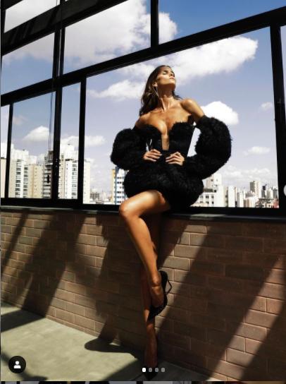 Chân dài Brazil nóng bỏng 'rực lửa' gây mê - ảnh 5
