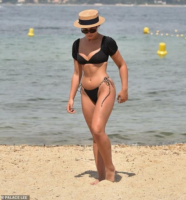 Francesca Allen khiến fan 'loạn nhịp' bởi quá sắc vóc quá hoàn hảo, nóng bỏng với bikini - ảnh 2