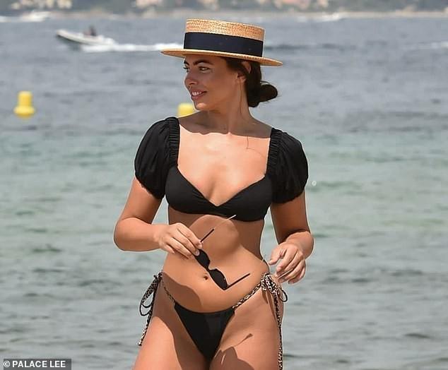 Francesca Allen khiến fan 'loạn nhịp' bởi quá sắc vóc quá hoàn hảo, nóng bỏng với bikini - ảnh 5