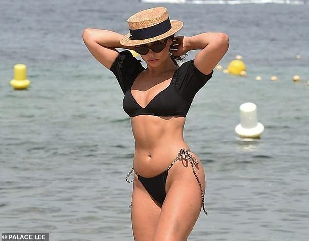 Francesca Allen khiến fan 'loạn nhịp' bởi quá sắc vóc quá hoàn hảo, nóng bỏng với bikini - ảnh 7