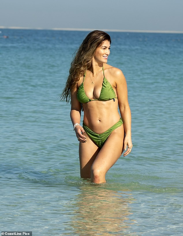 Hoa hậu Anh quá sexy, đẹp như mộng ở biển - ảnh 5