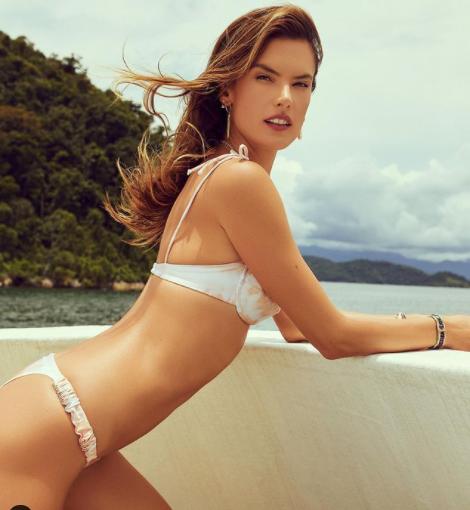 Cựu 'thiên thần nội y' Alessandra Ambrosio đẹp ngất ngây với bikini - ảnh 5