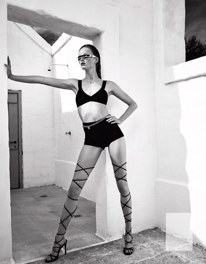 Sắc vóc của nàng mẫu trong clip quảng cáo của Louis Vuitton quay ở Việt Nam - ảnh 1
