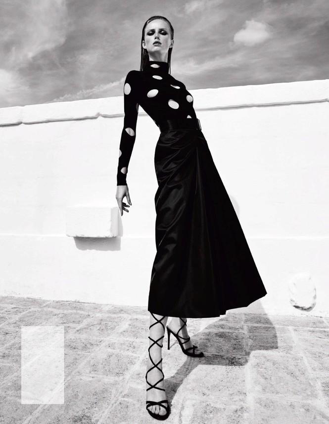 Sắc vóc của nàng mẫu trong clip quảng cáo của Louis Vuitton quay ở Việt Nam - ảnh 2