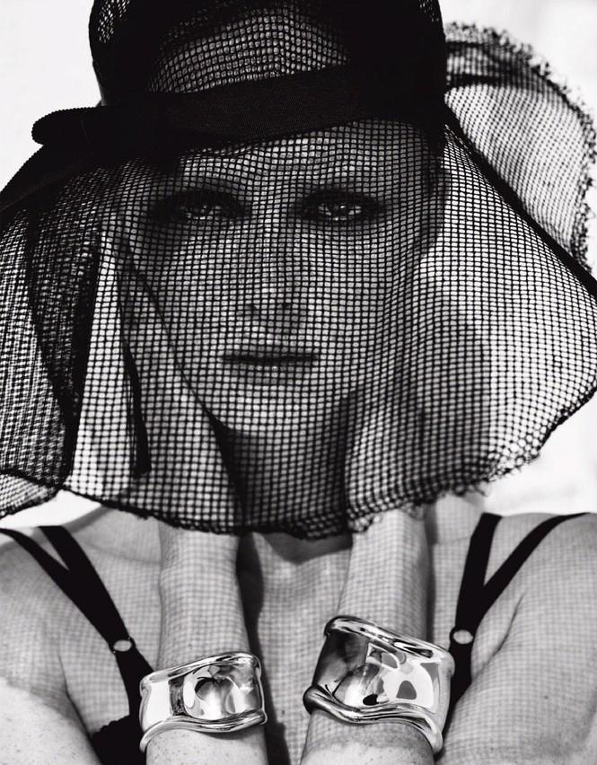 Sắc vóc của nàng mẫu trong clip quảng cáo của Louis Vuitton quay ở Việt Nam - ảnh 10
