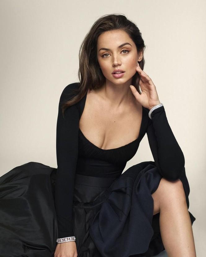 'Bond girl' Ana de Armas gợi cảm mê mẩn trên tạp chí sau chia tay Ben Affleck - ảnh 3