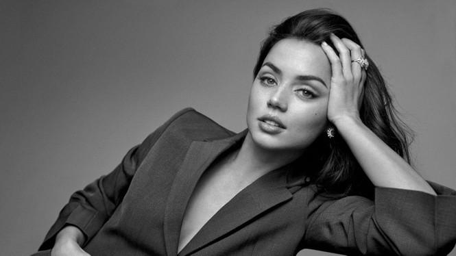 'Bond girl' Ana de Armas gợi cảm mê mẩn trên tạp chí sau chia tay Ben Affleck - ảnh 4