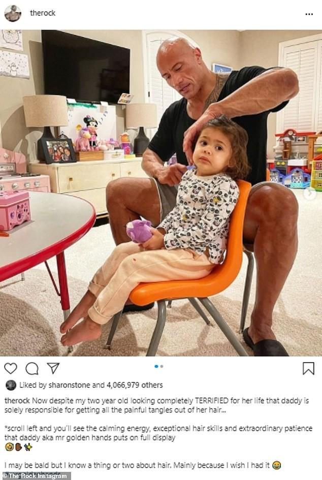 The Rock nhẹ nhàng chải tóc cho con gái gây 'bão' mạng xã hội - ảnh 2