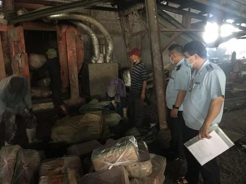 Gần nửa tấn chả mực xuất xứ từ Trung Quốc bị bắt giữ - ảnh 1