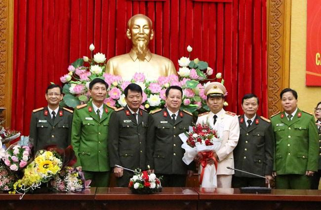 Giám đốc Công an thành phố Hải Phòng nhận quyết định thăng cấp bậc hàm Thiếu tướng - ảnh 1