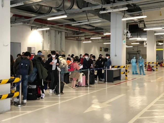 Vân Đồn đón thêm gần 100 người Việt về từ Nhật Bản - ảnh 2