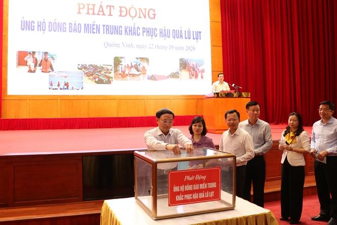 Cơ quan, đoàn thể tỉnh Quảng Ninh vận động ủng hộ miền Trung ruột thịt - ảnh 1