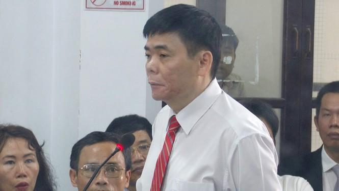 Xét xử luật sư Trần Vũ Hải, luật sư và nhà báo đều bị tịch thu hết điện thoại - ảnh 4