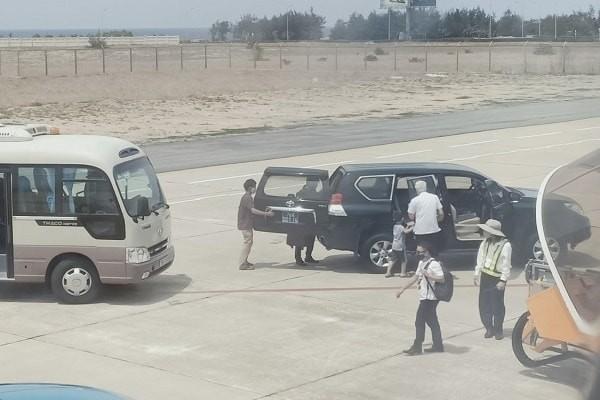 Chiếc xe đón Phó bí thư Phú Yên sát máy bay còn giá trị hơn 490 triệu đồng - ảnh 2
