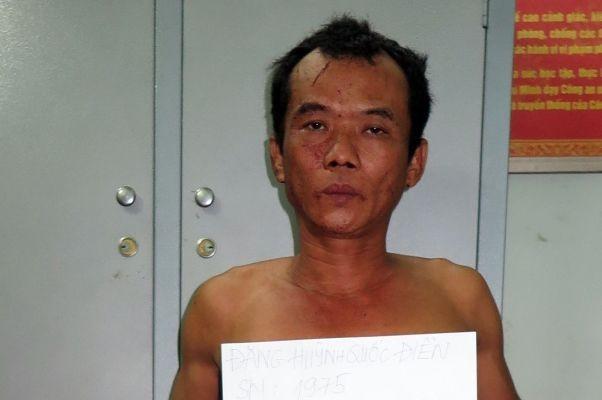 Ghen tuông, chồng giết vợ ngay trước mặt con trai 5 tuổi - ảnh 1