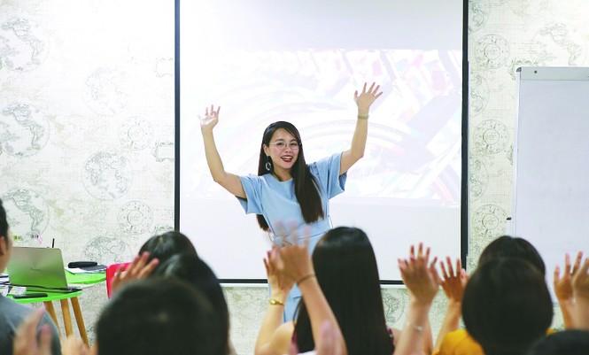Nữ giáo viên mang triết lý văn hóa dạy tiếng Anh - ảnh 2