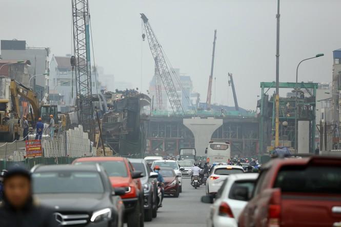 Nhiều tuyến phố Hà Nội được 'tắm' trở lại sau 3 năm tạm dừng - ảnh 1