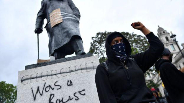 Tranh cãi gay gắt về làn sóng biểu tình tại Vương quốc Anh  - ảnh 2