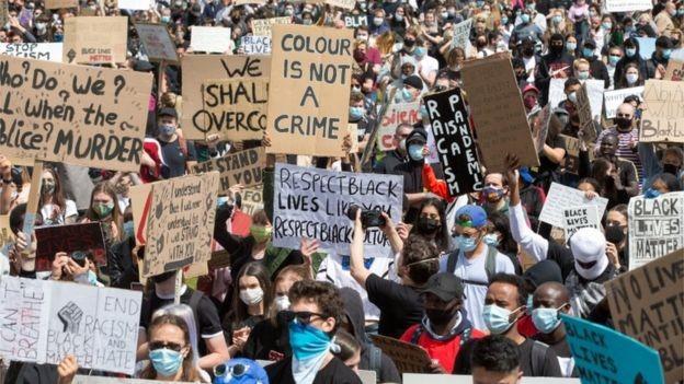Tranh cãi gay gắt về làn sóng biểu tình tại Vương quốc Anh  - ảnh 3
